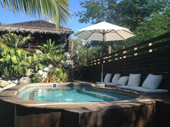 Villas Sur Mer: Lagoon hot tub