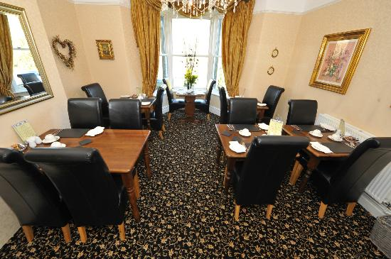 Afon View Guest House: Breakfast Room
