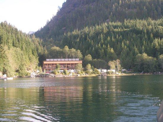 Moutcha Bay Resort: Hotel & Restaurant