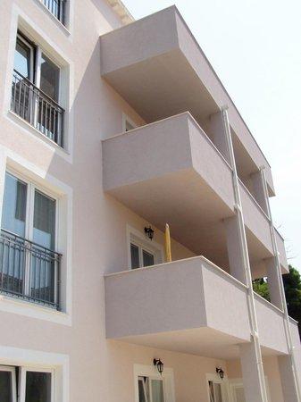 Apartments Aura: Exterior