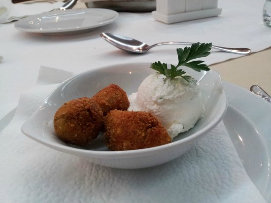 Hotel Sumadija: 2. fried Olives was a good choice with fresh cheese.