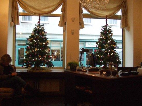 Hotel Domspitzen: Christmas in the reception area