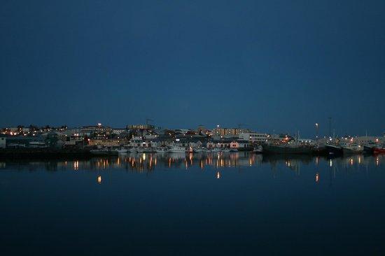 Port of Hafnarfjordur: Hafnarfjördur harbour at night
