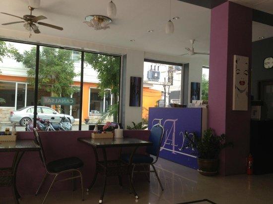 Allya Hotel Phuket Patong Beach: hall