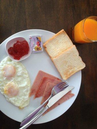 Allya Mansion Patong Beach: breakfast