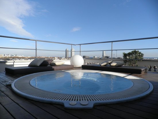 H10 Montcada Boutique Hotel: roof top jacuzzi