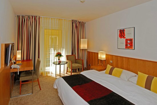 โรงแรมเคพลัสเคโอเปรา: Guest Room