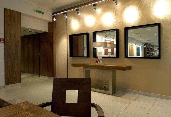 โรงแรมเคพลัสเคโอเปรา: Lobby