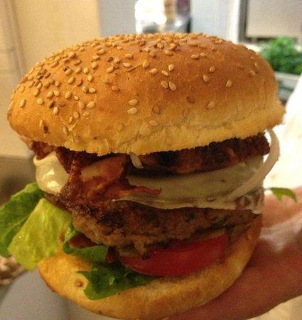 Begula Club Cafe: Specialità Begula Hamburger