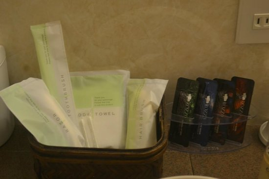 Excel City Hotel: toiletries