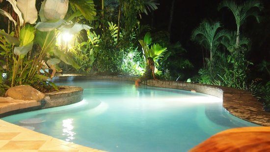 Lost Iguana Resort & Spa: The warm pool