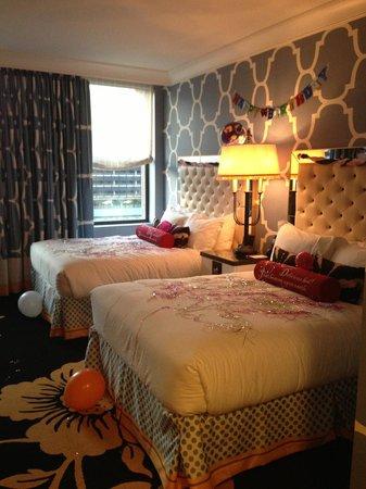 Kimpton Hotel Monaco Philadelphia: Queen beds