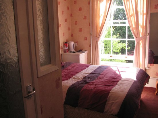 Park View: Double bed in ensuite room