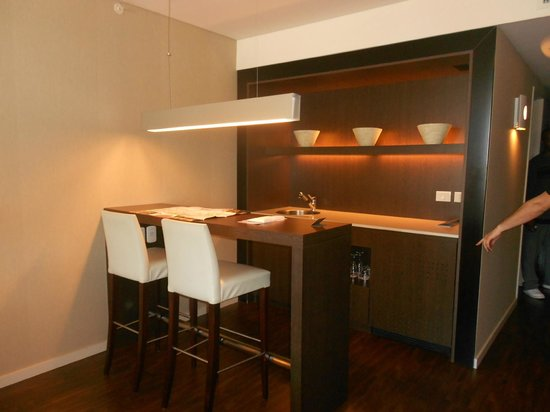 Hotel Madero: Wet Bar in Superior Room