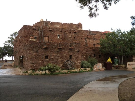 Geo Savvy Tours- Day Tours: Hopi House South Rim Grand Canyon National Park