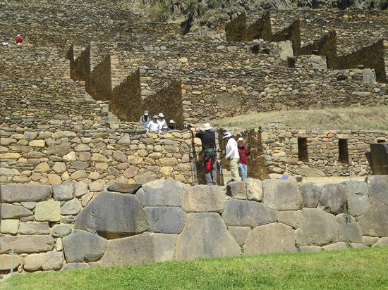 Ναός Ollantaytambo:                   the hike down