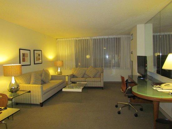 Georgetown Suites: Sala