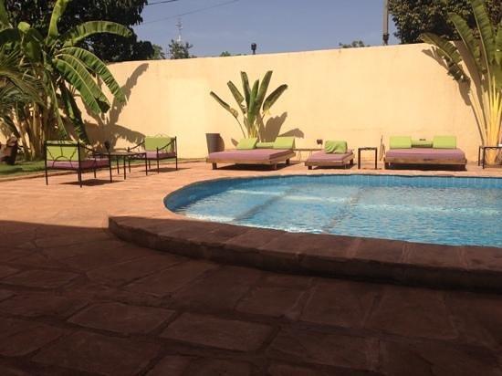 Hotel La Coccinelle: piscine