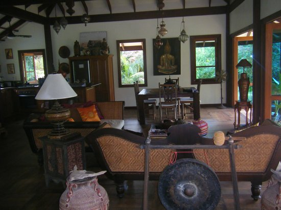 Koh Jum Beach Villas: Inside Bang Chang villa