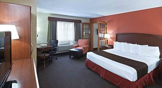 AmericInn Lodge & Suites Bemidji: AmericInn Bemidji - King Suite