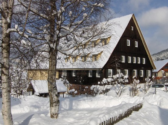 Gutshof - Hotel Waldknechtshof: Winter Außenansicht
