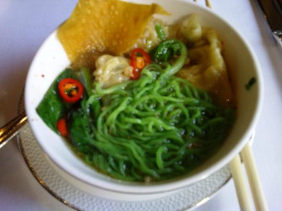 The Sukhothai Bangkok: The green noodle is delicious!