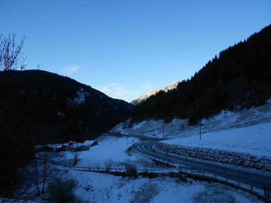Mountain Hotel Zaluna: Panorama invernale