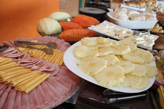 Hotel Pousada Shangri-La: Café da manhã maravilhoso