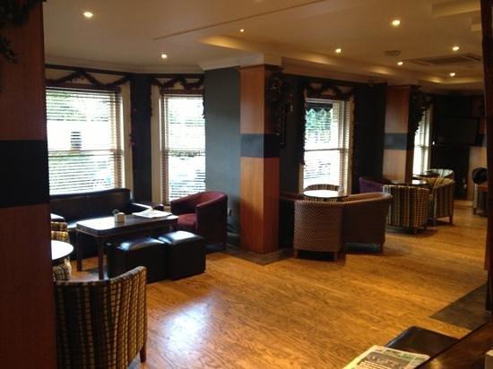 Mercure Altrincham Bowdon Hotel: Bar