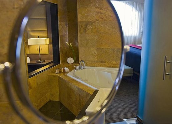 Le Meridien Panama: Suite Bathroom