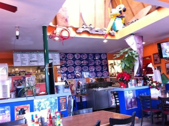 Taqueria MI Tierra II: Fun little place.
