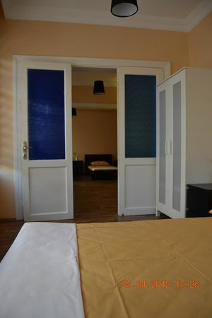 Hippodrome Apartment: room