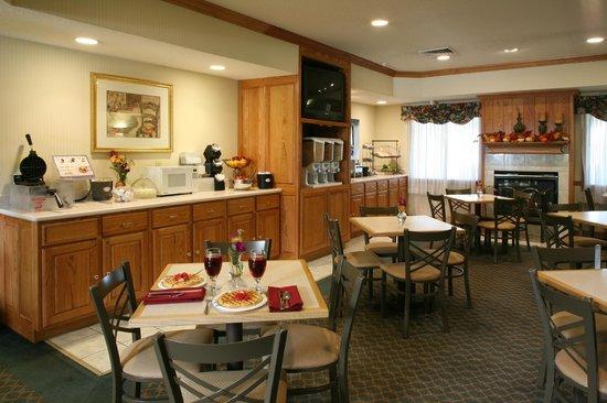Comfort Inn & Suites: Cafe