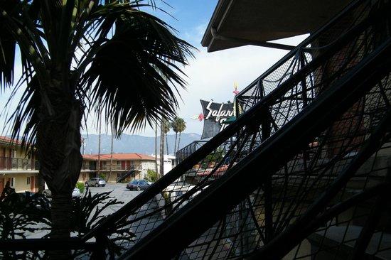 Safari Inn: exterior