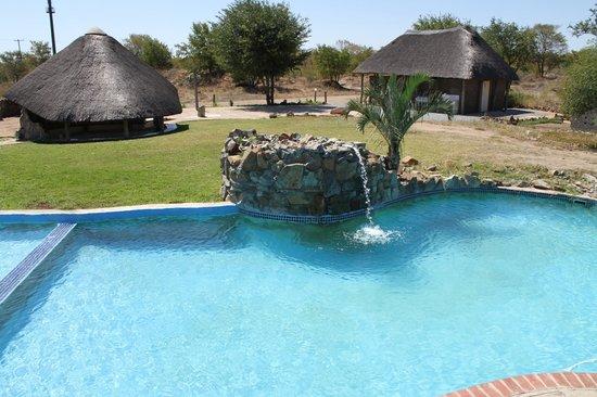 Dumela Lodge: Our pool area