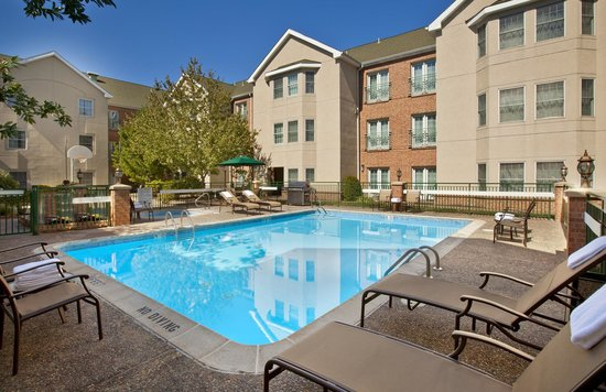 Homewood Suites by Hilton Kansas City Airport: Seasonal Outdoor Pool