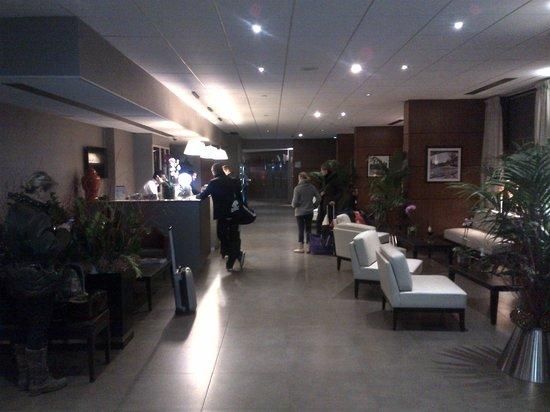 Timhotel Paris XVII Bd Berthier: entree de l'hotel