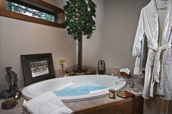Blue Spruce Bed and Breakfast: Cascade bath