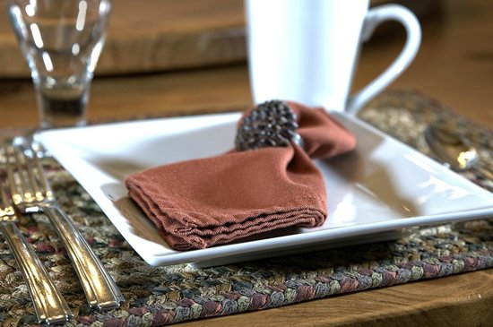 Blue Spruce Bed and Breakfast: Sample table setting