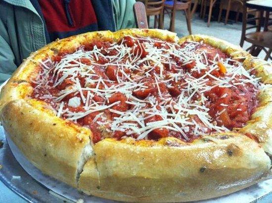 Famulari's Pizzeria Oakbrook: Chicago Style Pizza