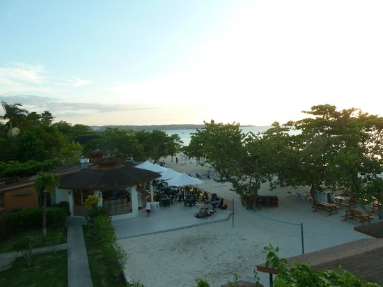 Coco LaPalm Sea Side Resort: View from hotel next door