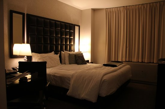 Distrikt Hotel New York City, Tapestry Collection by Hilton: Our room