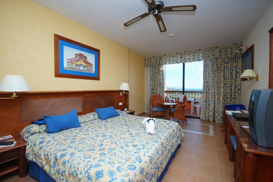 Sunlight Bahia Principe Costa Adeje: Spacious rooms