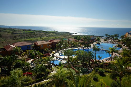 Sunlight Bahia Principe Costa Adeje: Beautiful view from upper floors