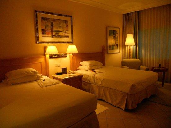 Sheraton Jumeirah Beach Resort: letti