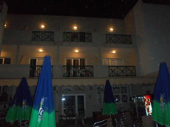 Hotel  Dunas Club: room 104 bottom middle room