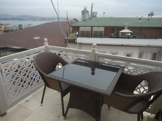 Azade Suites: balcony in jr suite
