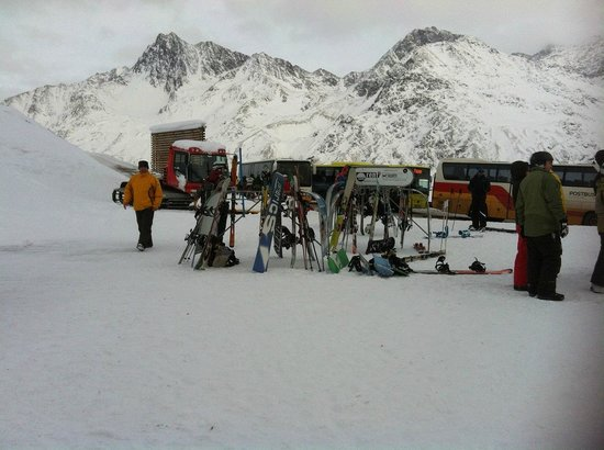 Edelweiss Hotel: going to glacier