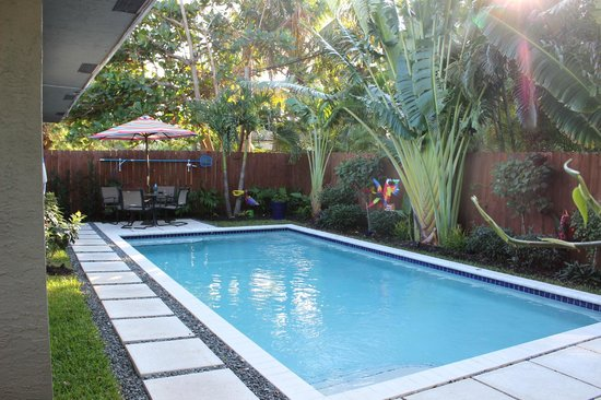 Island Sands Inn: Heated pool