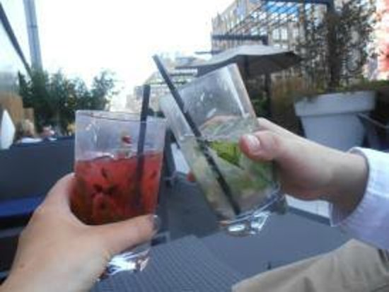 The Dominick Hotel: cocktails on roof